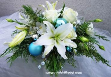 Icy Blue Centerpiece